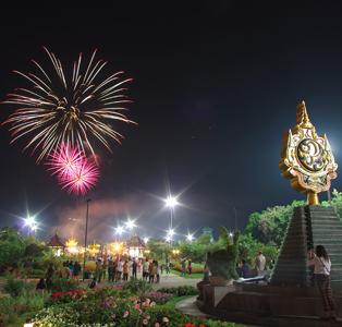 The great honour of fireworks in Royal Park Rajapruek (28 July, 12 August 2014)